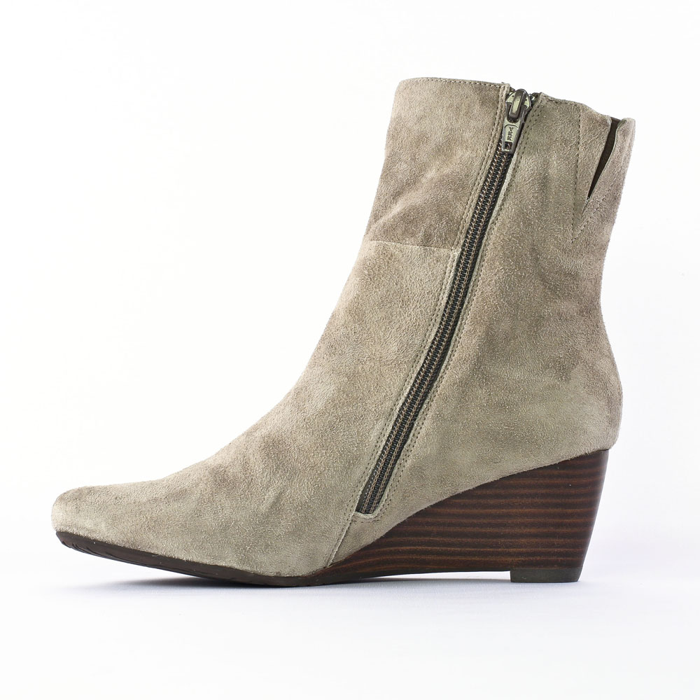 fugitive corty nubuck velours taupe | bottine compensées beige